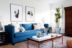 3,366 vind-ik-leuks, 18 reacties - Emily Henderson (@em_henderson) op Instagram: 'Indigo sofa + abstract modern art + antique persian rug = a pretty good combination of no fail…'