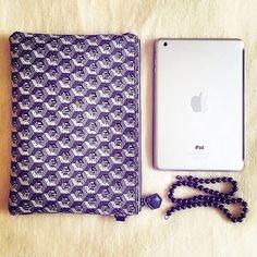 Simple and stylish hematite Pearl Jewelry, Ipad, Style Inspiration, Pearls, Stylish, Simple, Beaded Jewelry, Beading, Bead Jewelry