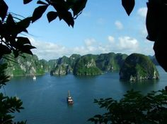 Ha Long Bay, Vietnam #Ha_long #bay #vietnam