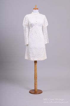 1960 Mod floral Lace Vintage Wedding Dress