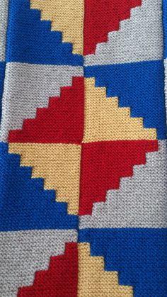 Knitting Squares, Knitting Charts, Baby Knitting Patterns, Knitting Stitches, Stitch Patterns, Crochet Elephant, Crochet Square Patterns, Knit Dishcloth, Crochet Quilt