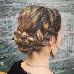 #frenchbraid into a #pullthroughbraid #bun on myself  . . #braid #ranskanletti #läpivetoletti  #braidedbun #braidinghair #braidideas #instabraids #letti #braidyourself #letitys #updo #hairdo #hairstyles #flette #plaitedhair #suomiletit #featuremeisijatytot #hotbraidsmara #braidingchallenge #featureaccount_ #braidinginspiration #inspirationalbraids