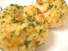 Better Than Red Lobster Cheddar Bay Biscuits   								So easy and so much yummier. Use more/less garlic to suit your taste.