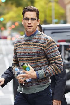 Oh shit, just when you thought IT CAN'T GET BETTER, God works in mysterious ways and Matt Bomer walks around with a green juice, water bottle, AND salt-n-pepper scruff.