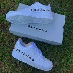 Cute Nike Shoes, Cute Nikes, Mode Converse, Friends Merchandise, Friends Poster, Friend Jokes, Nike Shoes Air Force, Aesthetic Shoes, Hype Shoes