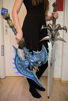 Kamui Cosplay makes insane weapons. Shadowmourne and Frostmourne (from World of Warcraft) made out of Worbla