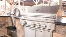 Wondering where to start with the build of your outdoor kitchen? In this video, Grill Master Randy discusses the essentials & some additional appliances you may want to consider when in the planning s Outdoor Kitchen Plans, Backyard Kitchen, Outdoor Kitchen Design, Modular Outdoor Kitchens, Backyard Patio Designs, Backyard Pavilion, Backyard Games, Backyard Bbq, Outdoor Living Rooms