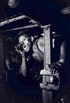 Mijnwerkers en hun fotografen aan het licht gebracht | Het Financieele Dagblad