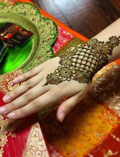 wow...this is gorgeous ♀️mehndi design ♀️More Pins Like This At FOSTERGINGER @ Pinterest ♀️