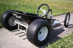 Wheelbarrow bucket
