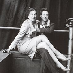 """"""" Anjelica Huston & Wes Anderson on the set of """"The Royal Tenenbaums"""" """""""