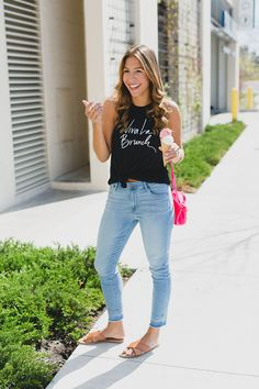 Chic Flavours wearing Old Navy graphic tee Viva La Brunch tee in Chicago Illinois during Spring.