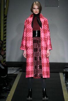 efb347da165 21 Looks by British Fashion Brand House of Holland