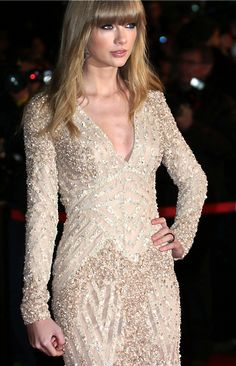 Taylor Swift in Elie Saab @ NRJ music awards.