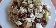 Ναι, ντάκος με τόνο. Εμπνευσμένη νοστιμιά! Dinner Recipes, Dinner Ideas, Baked Potato, Dips, Sandwiches, Greek Beauty, Potatoes, Lunch, Baking
