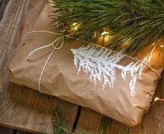 Christmas presents wrapping ideas Christmas Present Wrap, Christmas Presents, Christmas Decorations, Present Wrapping, Wrapping Ideas, Paper Shopping Bag, Wraps, Xmas Gifts, Gift Wrap