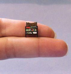 1/144th inch scale miniature-Bookcase