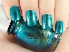 China Glaze Nail Lacquer in Deviantly Daring looks like a less sparkly version of opi's catch me in your net, i cannot get enough of this color! Bad Nails, Nails Now, Cute Nails, Pretty Nails, Pretty Nail Designs, Nail Accessories, Creative Nails, China Glaze, Nail Trends