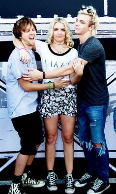Ellington , Rydel ans Ross