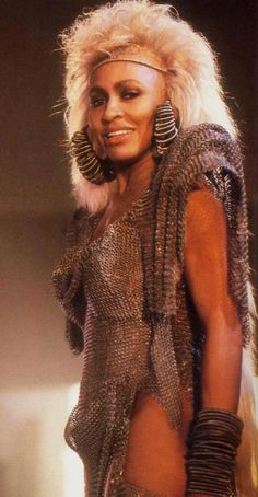 TINA TURNER in MAD MAX 3 Beyond Thunderdome