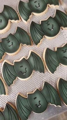 halloween cookie https://www.facebook.com/SweetMariasCustomCookies