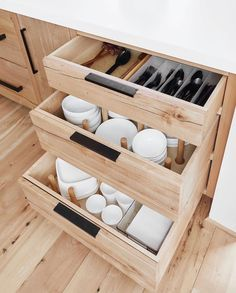 Steal These Kitchen Organizing Tips from an Interior Design Pro Here's how HGTV host, stylist, and best-selling author Emily Henderson organized her new mountain house kitchen. Kitchen Drawer Organization, Diy Kitchen Storage, Home Organization, Smart Storage, Dish Storage, Kitchen Racks, Drawer Storage, Kitchen Dishes, Kitchen Tile