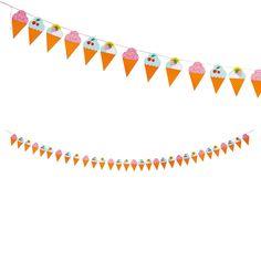Attenzione a non leccarli, sembrano gelati, ma sono di carta e con un filo attaccato. Ghirlanda per le vostre feste in giardino.