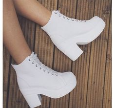 Sigueme como Melissa Hernández para ver más de moda in 2020 Best Casual Outfits, Teen Fashion Outfits, Mode Outfits, Fashion Shoes, Pretty Shoes, Beautiful Shoes, Kawaii Shoes, Cute Boots, Dream Shoes