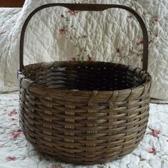October '13 Free Pattern And ... how did it get to be October already? Oh well, here's a free basket weaving pattern ~ have fun!