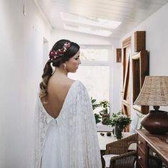 Contando los días para que empiece la temporada y podamos volver a ver novias tan guapas con ésta. ❤   📸 Mi Lima Limon - Wedding Photographers Vestido: Amarca Tocado: MGM Accesorios
