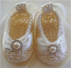 Absolutely gorgeous crocheted baby booties with ribbon and bling