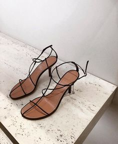 Celine sandals -- delicately strappy black and tan. Power Dressing, Womens High Heels, Womens Flats, Look Fashion, Fashion Shoes, Fashion 2018, Fashion Women, Celine, Easy Style