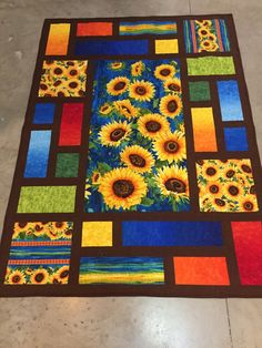 I love the presentation arrangement of this quilt top. I've been gathering sunflower fabrics for years to eventually make a quilt of my own design. )) :-) Big Smile 😀 Nana in a 💚 - cr Big Block Quilts, Mini Quilts, Quilt Blocks, Patch Quilt, Quilt Kits, Easy Quilts, Quilt Square Patterns, Square Quilt, Quilting For Beginners