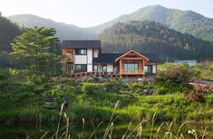 peaceful house on the hill in geochang by studio_gaon