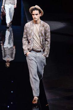 Mode à Milan : extrême élégance chez Giorgio Armani en clôture - Actualité : Défilés (#705925)