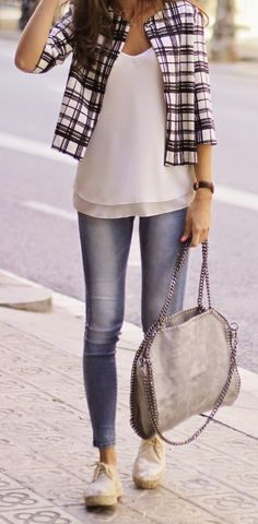 Spring Plaid Jacket Streetstyle                                                                             Source