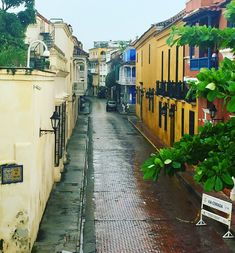 How to see the best places in Cartagena, Colombia and nearby Islas del Rosario.