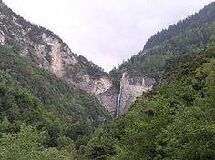 Le vallon de Réchy est une petite vallée sur les communes de Nax, Grône et Chalais en Valais Suisse. Situé entre le val d'Hérens et le val d'Anniviers, le vallon de Réchy est une des réserves naturelles du Valais. Sa longueur est de 11 km et la rivière qui s'écoule porte le nom de Rèche ; c'est un affluent du Rhône.