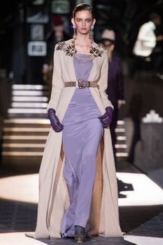 FALL 2013 READY-TO-WEAR Dsquared² / Dan and Dean Caten restaged the jazz club set from their men's show last month for their women's collection tonight. It was back to the 1940s again. Milan has made it official—that decade is a top Fall trend. But if the January menswear was a hit.