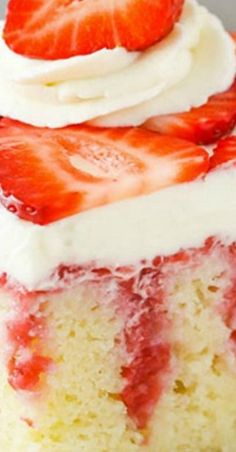 This easy strawberry & vanilla cake recipe is out of this world! Homemade vanilla cake covered with fresh strawberry sauce & cream cheese whipped cream! Poke Cake Recipes, Delicious Cake Recipes, Frosting Recipes, Yummy Cakes, Dessert Recipes, Strawberry Poke Cakes, Strawberry Recipes, Strawberry Shortcake, Summer Desserts