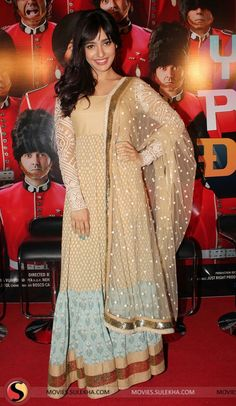 yamla-pagla-deewana-2-theatrical-trailer-launch-photos062.jpg 500×861 pixels