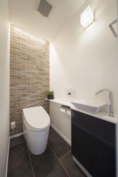 トイレ - En Tutorial and Ideas Bathroom Closet, Bathroom Spa, Bathroom Toilets, Small Toilet Room, Modern Powder Rooms, Casa Patio, Ideal Bathrooms, Hotel Room Design, Downstairs Toilet