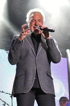 Tom Jones performing live in Alnwick. Photo by Terry Blackburn Tom Jones Singer, Sir Tom Jones, Alnwick Castle, Toms, Blazer, Jackets, Men, Live, Fashion