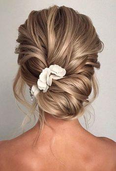 30 Elegant Wedding Hairstyles For Gentle Brides ❤ elegant wedding hairstyles low updo textured on blonde hair bridal_hairstylist wedding updo 30 Elegant Wedding Hairstyles For Gentle Brides Low Updo, Messy Updo, Braided Updo, Bridal Braids, Wedding Hair Inspiration, Wedding Ideas, Wedding Decorations, Hair Extensions Best, Wedding Hair And Makeup