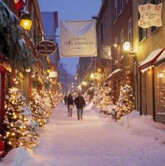 Old Quebec City - the most romantic Christmas destination!