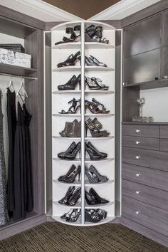 Walk In Closet Ideas - Seeking some fresh ideas to renovate your closet? See our gallery of leading deluxe walk in closet design ideas and also photos. Walk In Closet Design, Bedroom Closet Design, Master Bedroom Closet, Closet Designs, Master Bedroom Design, Master Suite, Custom Closet Design, Walking Closet, Shoe Shelf In Closet
