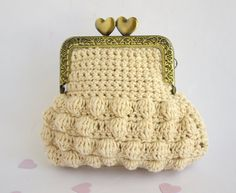 Crochet Coin purse Organic undyed cotton Retro Coin Purse. €25,00, via Etsy.