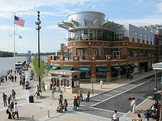 National Harbor - cute area with shops, restaurants, and a ferry to Alexandria