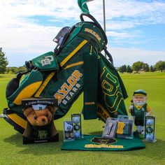 Only the most dedicated Baylor fans Baylor-fy their golfing gear like this. #SicEm