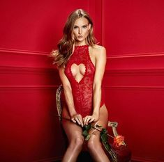 Valentines Day is coming up! Sooo, who are you surprising with this gorgeous body? (Heart cut body 124580) #valentine #valentinesday #red #lingerie #suprise #newcollection